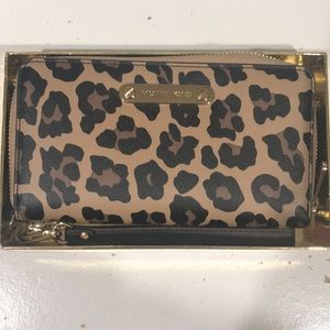 Micheal Kors Leopard Wristlet with phone case